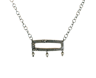 INSPIRATIONAL RECTANGLE NECKLACE WITH 3 LITTLE PEARLS, KAREN BOELTS