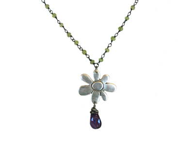 PERIDOT BEADED NECKLACE WITH FLOWER PENDANT AND AMETHYST, KAREN BOELTS