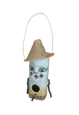 KOOKY HAT BIRDHOUSE, LISA MERTINS