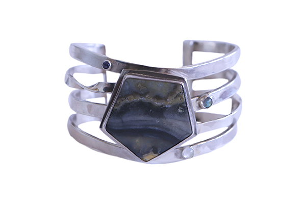 CUFF W/ TWISTED BANDS, PENTAGONAL AGATE, MOONSTONE, SPECTROLITE & IOLITE, MONIQUE SELWITZ