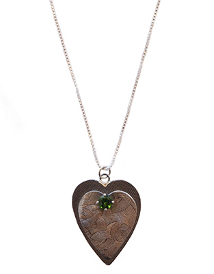 MICHELENE BERKEY - TEXTURED HEARTS AND CHROME DIOPSIDE NECKLACE - SILVER