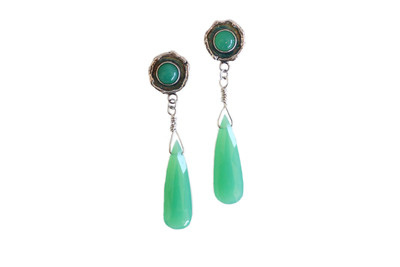 CHRYSOPRASE IS A VARIETY OF CHALCEDONY.