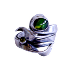 MONIQUE SELWITZ - PERIDOT & GREEN STONE TWISTED RING - STERLING & GEMSTONE - SZ 9 3/4